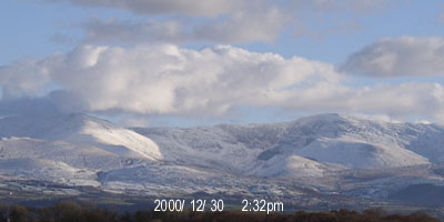 Snow at 1333 GMT on 30 December 2001. View is of an icy Ysgolion Duon (Black Ladders) between Carnedd Llewelyn (L) and Carnedd Dafydd (R).